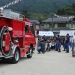 区民運動会、消防車と綱引き!