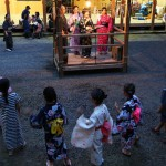 江文神社では子どもたちも八朔踊りを奉納